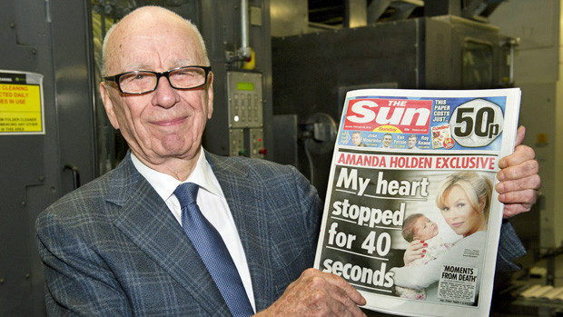 Rupert Murdoch launches The Sun on Sunday